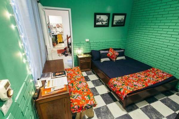 Homestay vintage được nghiên cứu với những đồ đạc rất đẹp, cổ điển