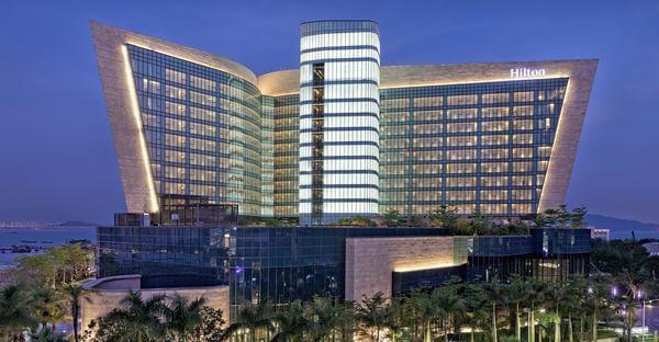 Khách sạn được thiết kế theo phong cách hiện đại, mới mẻ