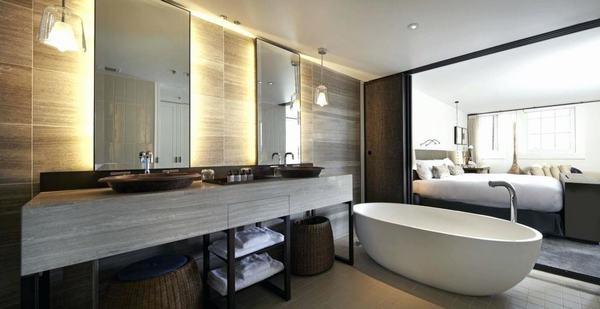 Phòng tắm cao cấp, bồn tắm rộng và sạch sẽ
