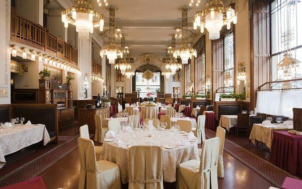 Không gian nhà hàng sang trọng với cách thiết kế đẹp mắt