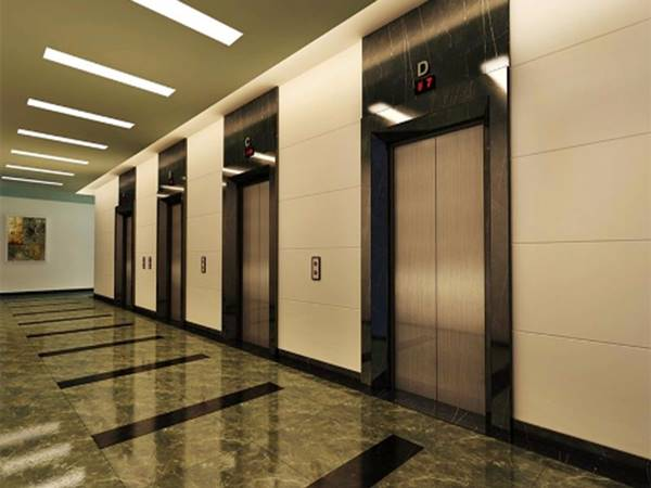 Cửa thang máy hiện đại, hành lang sạch sẽ