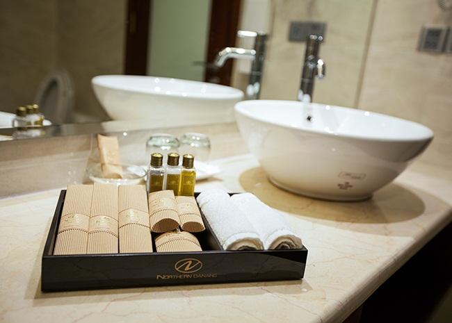 Chia sẻ 3 cách chọn dầu gội sữa tắm khách sạn 5 sao cao cấp nhất