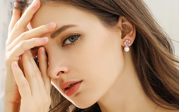 Bông tai vàng kết hợp ngọc trai đơn giản mà đẹp khó cưỡng