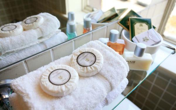 Xà bông là 1 trong các đồ amenities cần có trong khách sạn