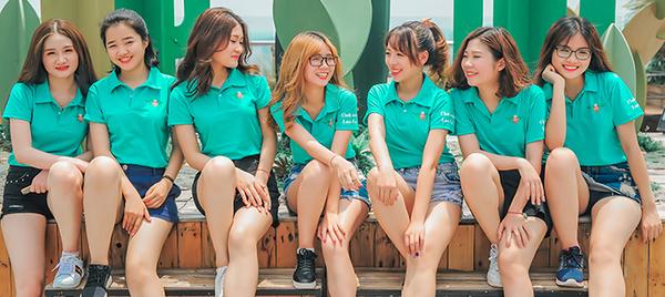 Mẫu áo nhóm màu xanh nhạt, có cổ rất thích hợp cho các nhóm nữ sinh, kiểu áo này dễ kết hợp với quần sooc, chân váy, thể hiện sự năng động