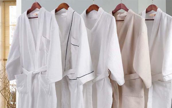 Poliva cung cấp tất cả các mẫu áo choàng tắm từ người lớn cho đến trẻ nhỏ