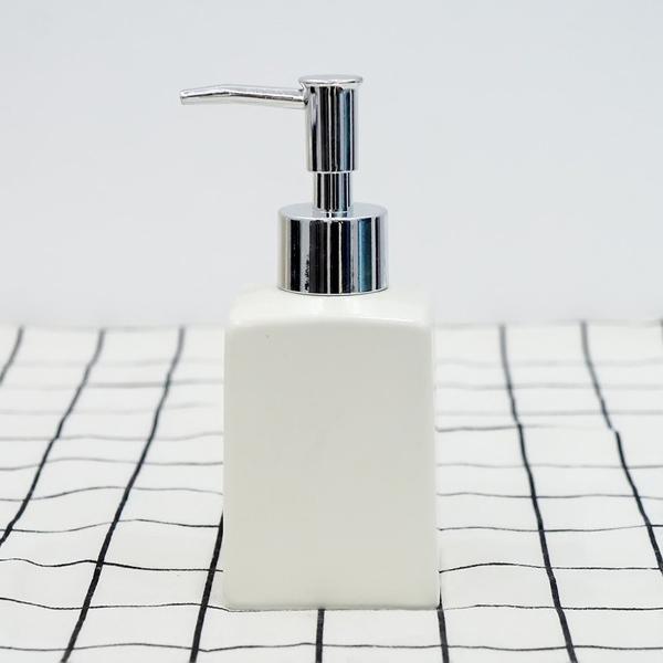 bình nước rửa tay bằng sứ