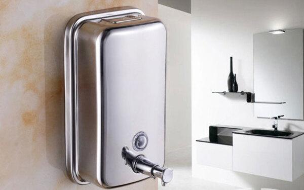 Vì sao nên sử dụng bình nước rửa tay bằng inox trong khách sạn?