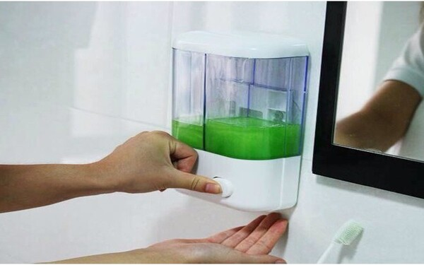 Bình nước rửa tay bằng nhựa giá rẻ và đa dạng kiểu dáng