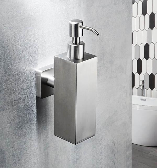 bình nước rửa tay