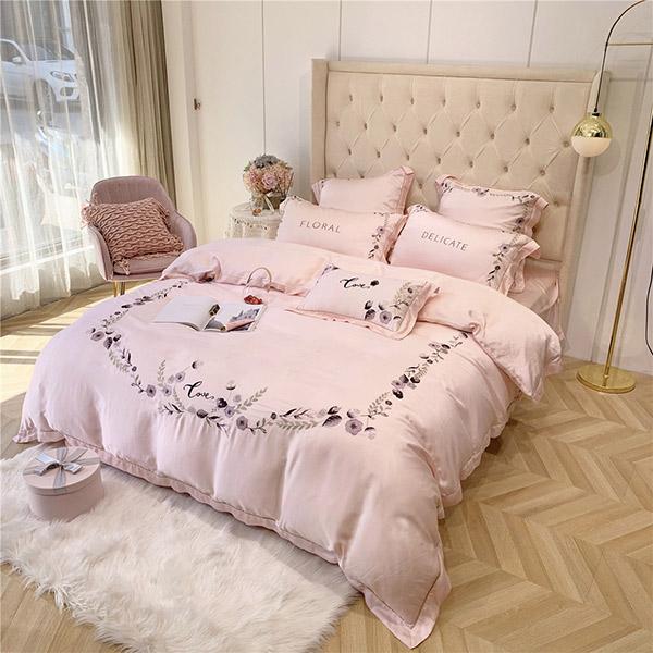 Bộ chăn ga gối thêu hoa cao cấp màu hồng