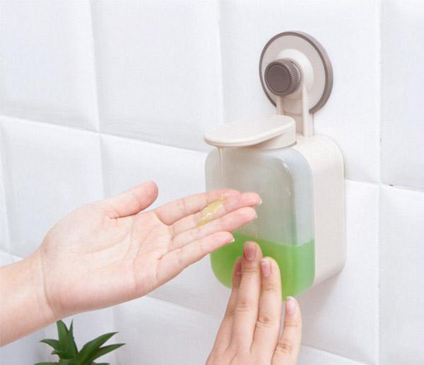 đựng nước rửa tay nhựa