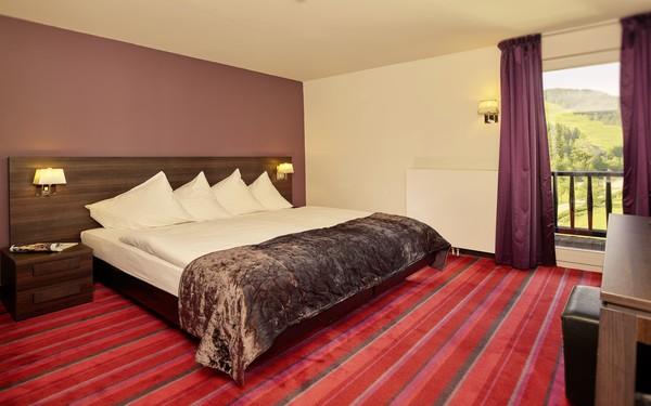 Queen size bed được bố trí tại các loại phòng standard room và superior