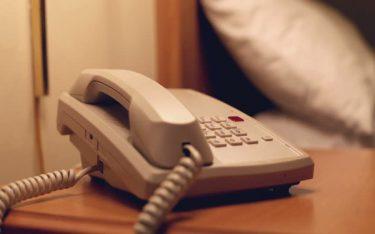 Cách sử dụng điện thoại bàn khách sạn thuận tiện nhất hiện nay