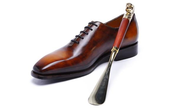 Có rất nhiều loại chất liệu để sản xuất đón gót giày