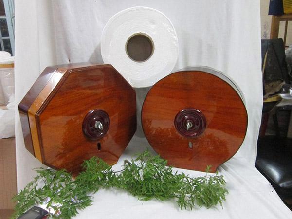 Hộp đựng giấy vệ sinh bằng gỗ