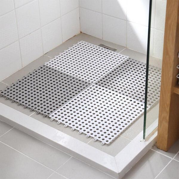 Thảm chống trơn nhà tắm dạng nhựa lưới rất phổ biến và hiệu quả