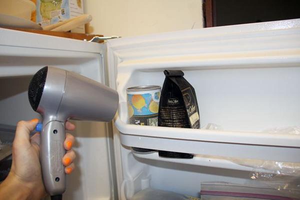 Công dụng rã đông thực phẩm của máy sấy tóc