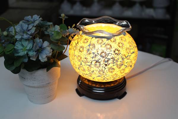 đèn ngủ xông tinh dầu