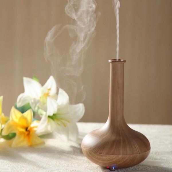 Đèn xông tinh dầu có tác dụng khuếch tán mùi hương, thanh lọc không khí