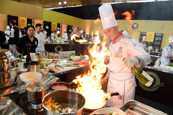 Sự chuyên cần, sáng tạo của người đầu bếp tạo nên những món ăn ngon và chất lượng