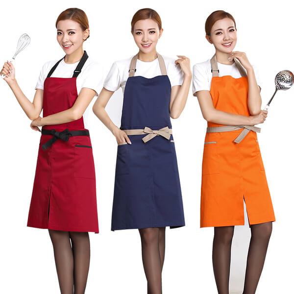 Có rất nhiều kiểu mẫu tạp dề trong bộ trang phục đầu bếp