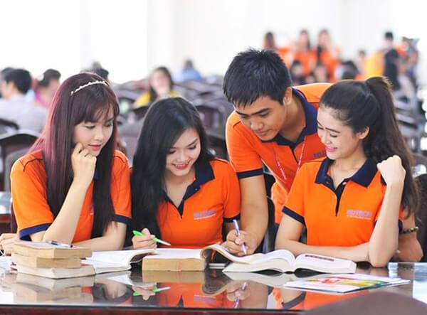 Mẫu áo thun đồng phục màu cam nổi bật