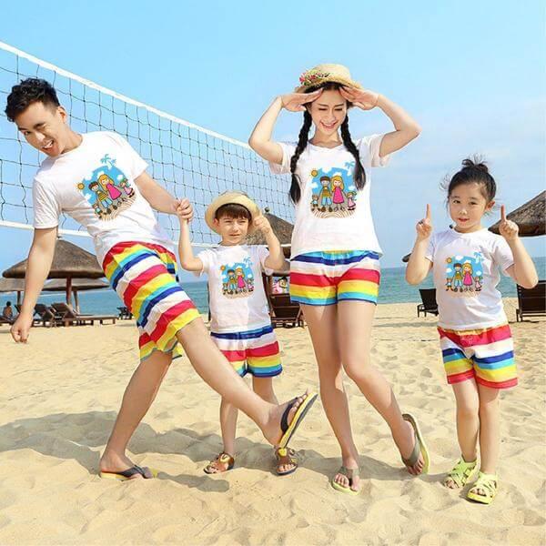 Đi biển theo nhóm gia đình với mẫu áo cực xinh