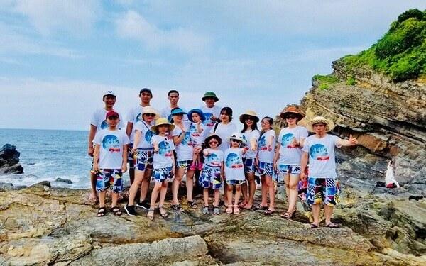 """20+ mẫu đồng phục đi biển """"hót hòn họt"""" không thể bỏ qua"""