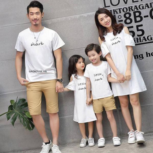 Mẫu váy - áo cho cả gia đình thêm xinh