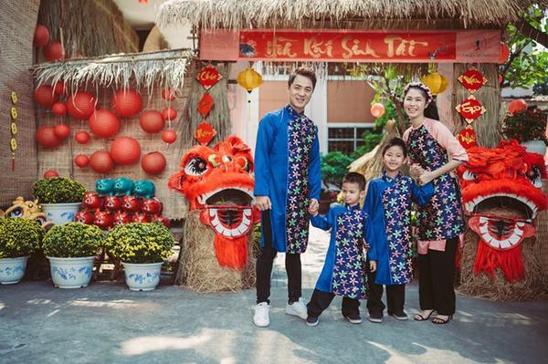 Trang phục gia đình ngày Tết được các nghệ sĩ Việt rất ưa chuộng