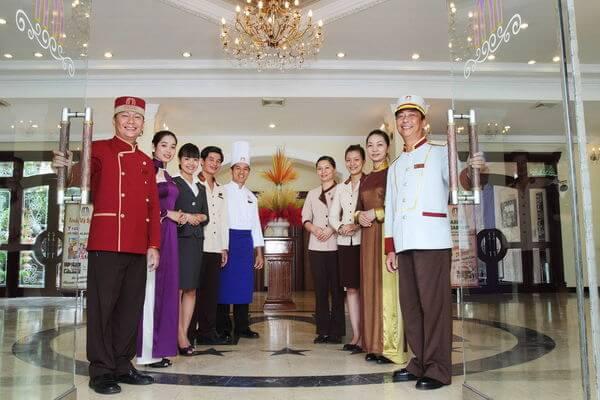 Top 1001+ mẫu đồng phục nhà hàng ăn uống khách sạn đẹp nhất hiện nay
