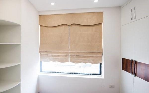 Rèm roman thường được dùng cho những khung cửa nhỏ hẹp trong khách sạn