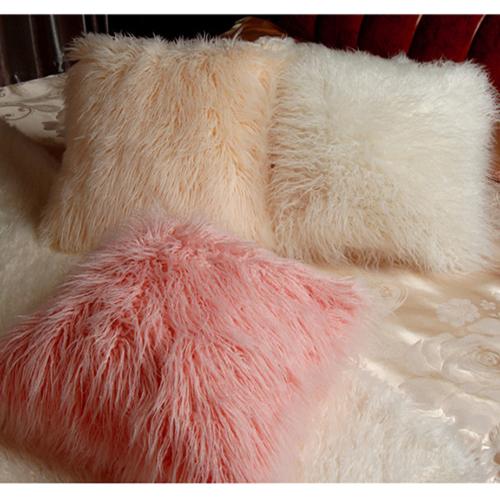Gối trang trí giường sắc màu
