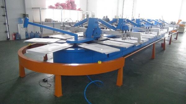 Xưởng may và in áo rộng rãi, sạch sẽ, đảm bảo chất lượng