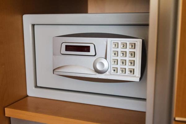 Poliva cung cấp các loại két sắt khách sạn cao cấp
