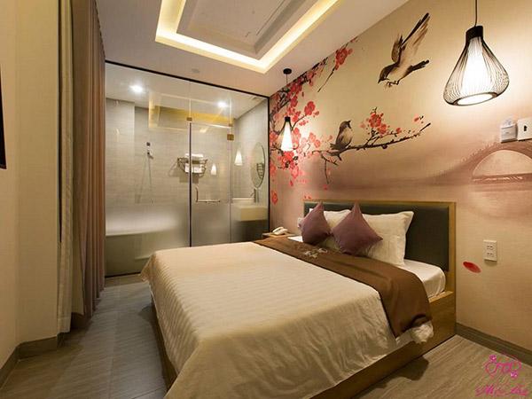 Phòng tắm khép kín trong không gian phòng khách sạn cho thuê