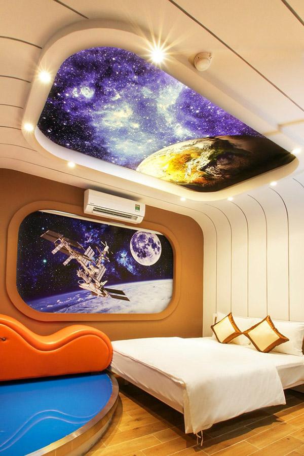 Không gian đẹp lại được bonus thêm ghế tantra làm tình