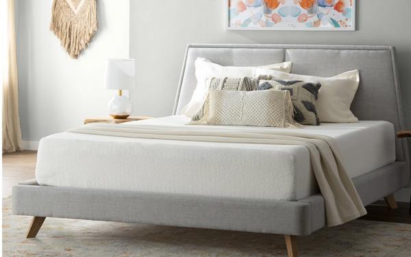 Nệm cao su với độ dày 10cm sẽ phù hợp với hầu hết các loại giường