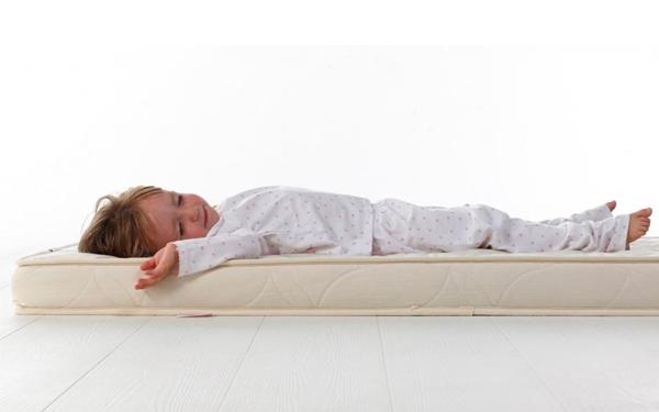 Nếu nệm dành cho trẻ em thì chỉ nên sử dụng loại 5cm để đảm bảo an toàn