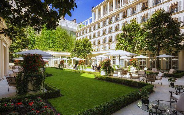 Thiết kế cảnh quan sân vườn trong khách sạn