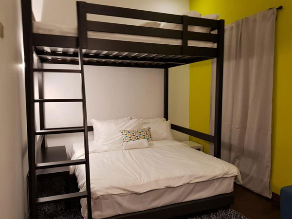 Phòng ngủ homestay đẹp: Giới trẻ rất hòa đồng nên thích không gian sống chung trong phòng drom sử dụng giường tầng cá tính.