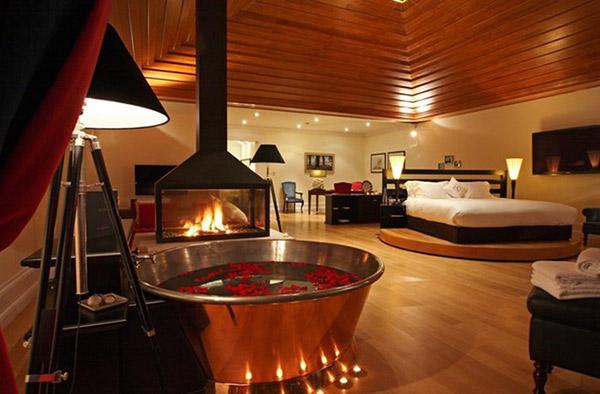 Phòng ngủ sang trọng đi kèm luôn cùng tiện ích massage
