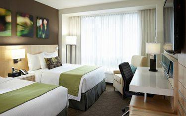 Vì sao khách sạn, resort nào cũng lắp đặt rèm cửa sổ?
