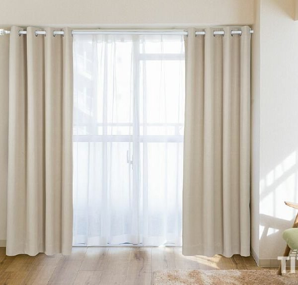 Những tấm rèm cửa còn có tác dụng giảm tiếng ồn rất tốt cho căn phòng khách sạn