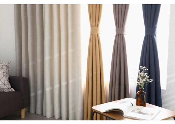 Rèm cửa vải với đa dạng lựa chọn về màu sắc và kiểu dáng