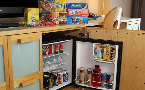 Tại sao khách sạn, resort ưu ái sử dụng mini bar hơn tủ lạnh mini