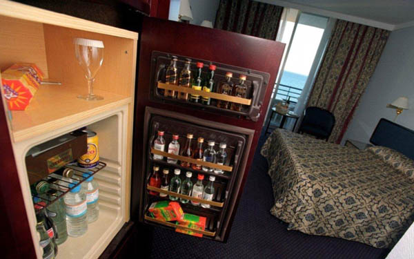 Tủ mini bar được ưu ái tại các khách sạn