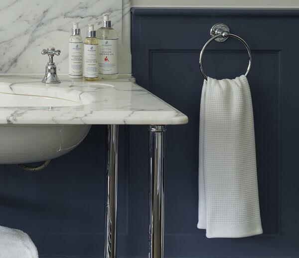 Poliva là đơn vị cung cấp vòng treo khăn tắm khách sạn cao cấp