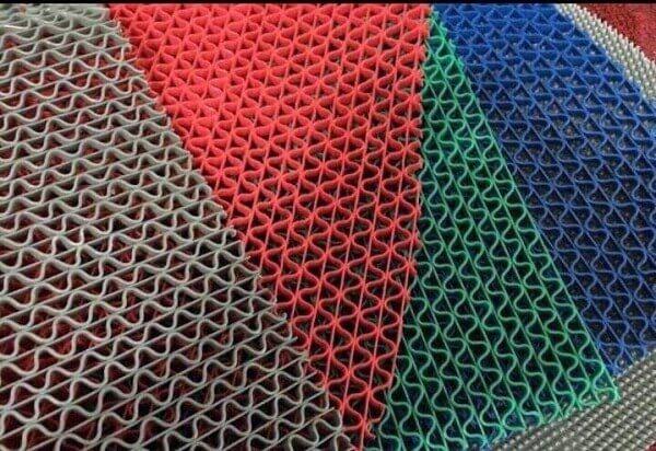 Hiện nay loại thảm chống trơn nhựa đang trở nên rất phổ biến với hiệu quả cao